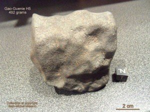 Météorite Gao-Guenie H5 specimen de 492 grammes !!! dans meteorites gao-guenie-492-grs-300x225