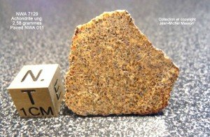Meteorite NWA 7129 jumelle de la NWA 011 achondrite ung. de 2,58 grammes dans meteorites nwa-7129-achonrite-ung-258-grs-paired-nwa-011-1-300x195